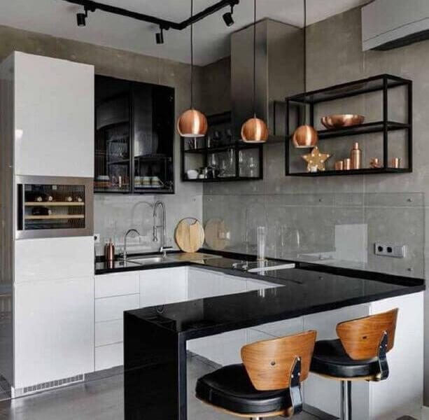 cimento-queimado-para-cozinha-estilo-industrial-pequena-decorada-com-pendentes-cobre-Foto-Arkpad